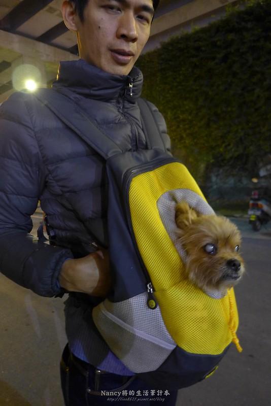(寶少爺體驗)瘋狂爪子寵物用品,運動風寵物背包,伊歐西寵物箱讓寶貝外出也很舒適 @Nancy將的生活筆計本
