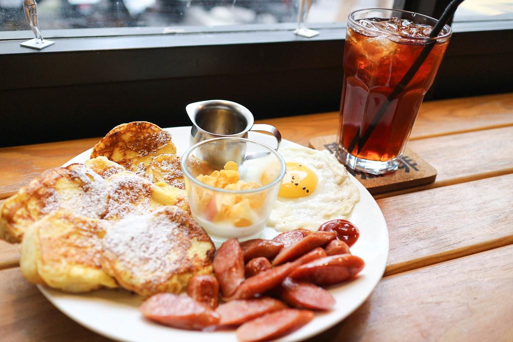 (小巨蛋站)小巨蛋優質早午餐-廚。嚐咖啡/寵物友善餐廳/免費WIFI 及插座/用餐時間無限制 @Nancy將的生活筆計本