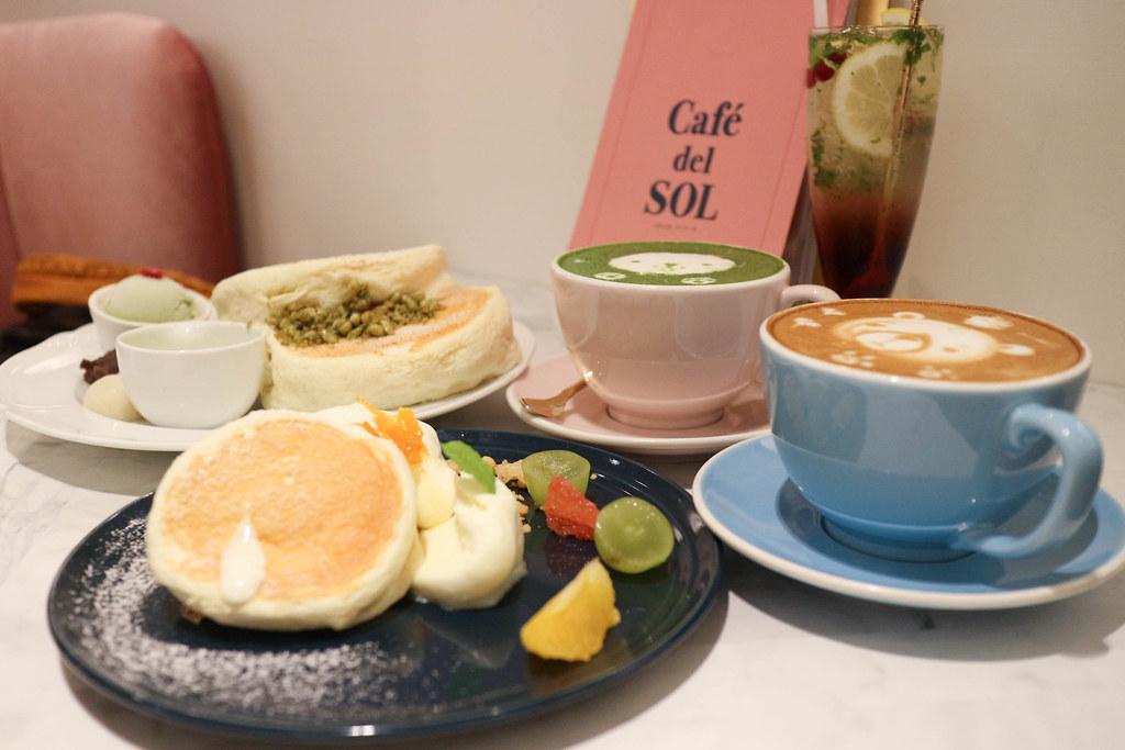 (市府站)信義微風2F-Café del SOL 福岡人氣第一鬆餅,超鬆軟口感入口即化,目前不開放預訂位子只能現場排隊囉 @Nancy將的生活筆計本