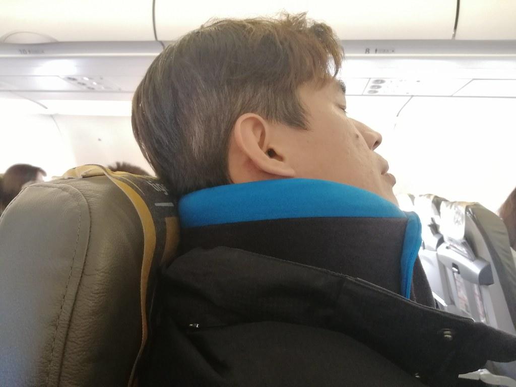 (生活/開箱)GreySa格蕾莎全家福旅行頸枕-外出旅遊必備好商品,為何我的美國行沒有早點認識格蕾莎全家福旅行頸枕,全方位紀憶綿支撐頸部不晃動 @Nancy將的生活筆計本