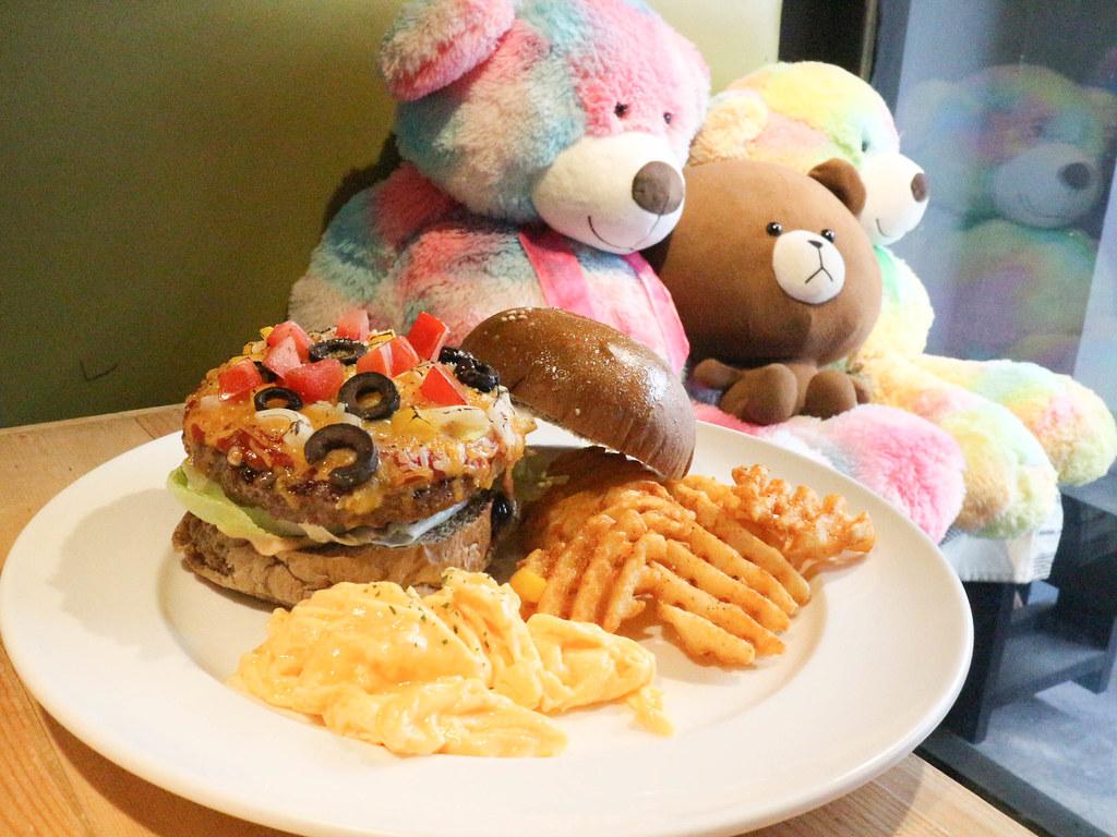 (忠孝復興站)Stan & Cat 史丹貓美式餐廳,大安區美式漢堡,全天候早午餐,客製化漢堡,聚餐 @Nancy將的生活筆計本