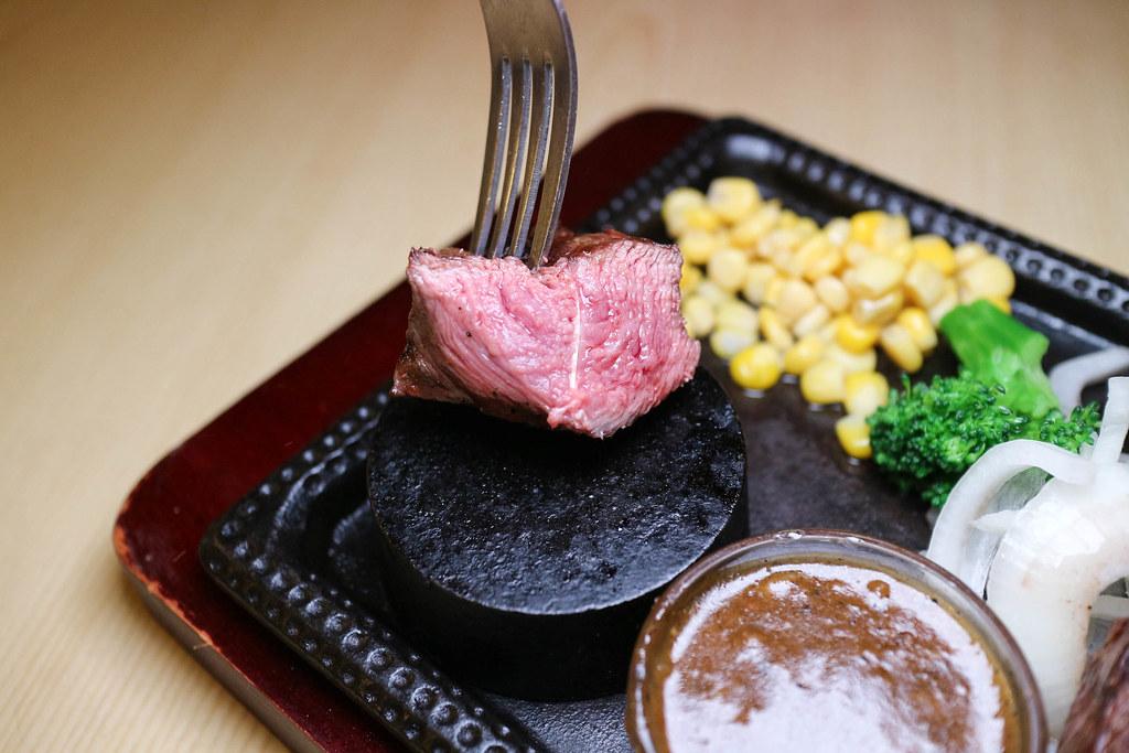 (宜蘭美食)鬥炙 原味炙燒牛排宜蘭東門店,東門夜市內,平實價位套餐享受 @Nancy將的生活筆計本
