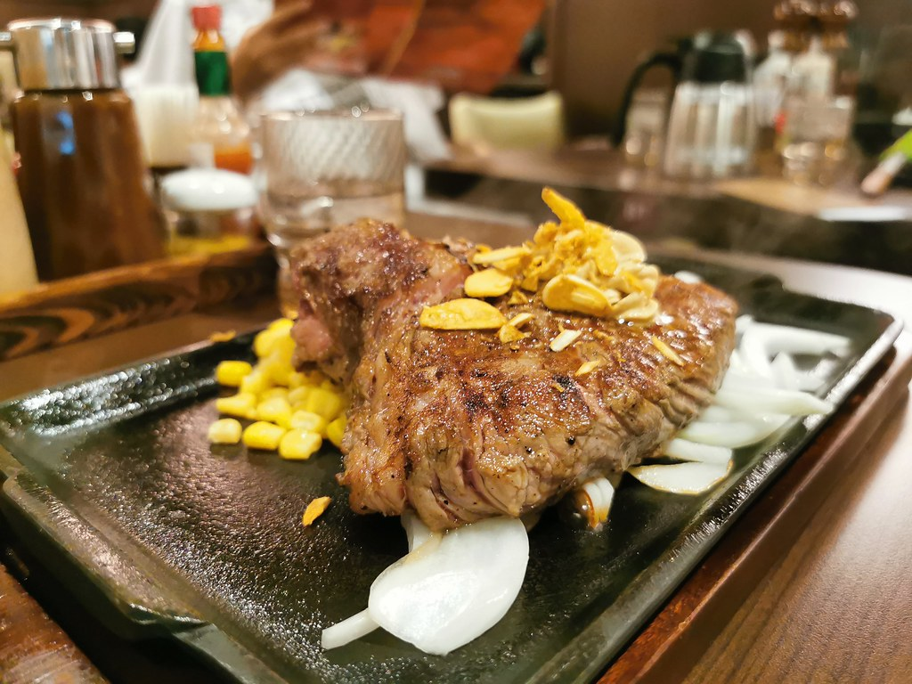 (南港捷運站)Ikinari Steak Taiwanw日本著名的立食牛排,台灣首家分店就在台北南港CITY LINK,牛排以克數計費高CP值牛排 @Nancy將的生活筆計本