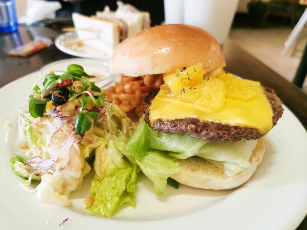 (江子翠捷運站)Oba Oba brunch & dinner,價格略高,如果有組合餐點會更好 @Nancy將的生活筆計本