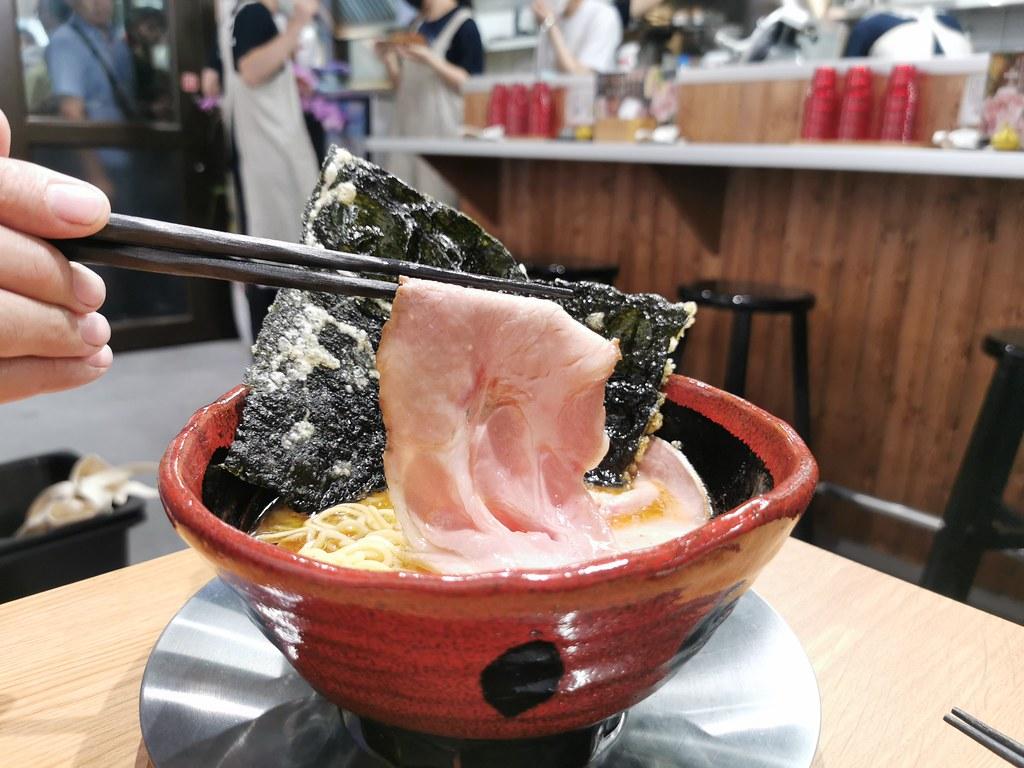 (新莊區美食)頤品大飯店內的高樂迴轉壽司/日式鍋物~我好像有點期待太高了! @Nancy將的生活筆計本