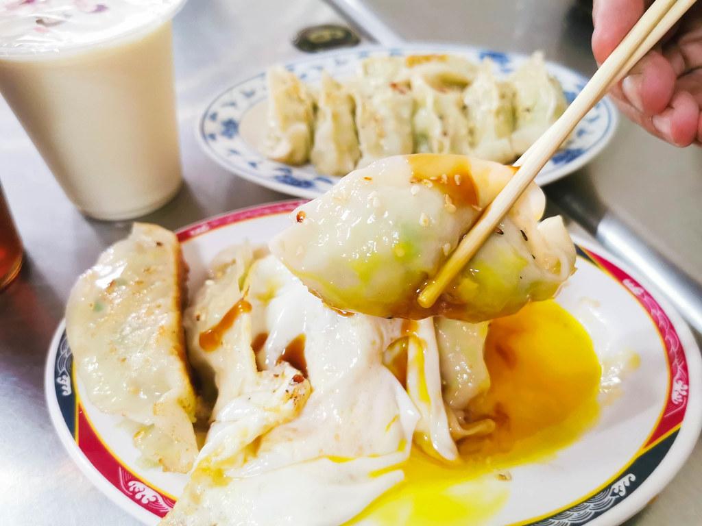 (江子翠捷運站)萌牛生乳鍋來自新鮮牧場的鮮奶!牛奶鍋濃醇香~by 手機小食記 @Nancy將的生活筆計本