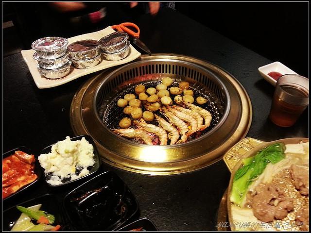 韓琳,位於東區交通方便,自己不必動手就有專人烤肉給你吃(S3拍攝) @Nancy將的生活筆計本